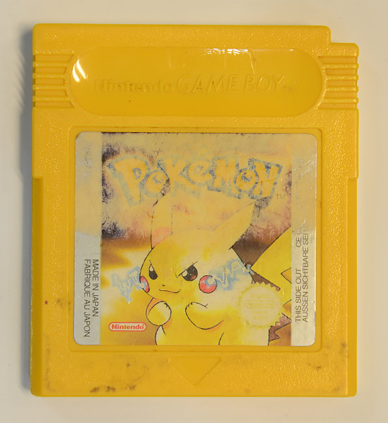 Pokemon Yellow&extralang=